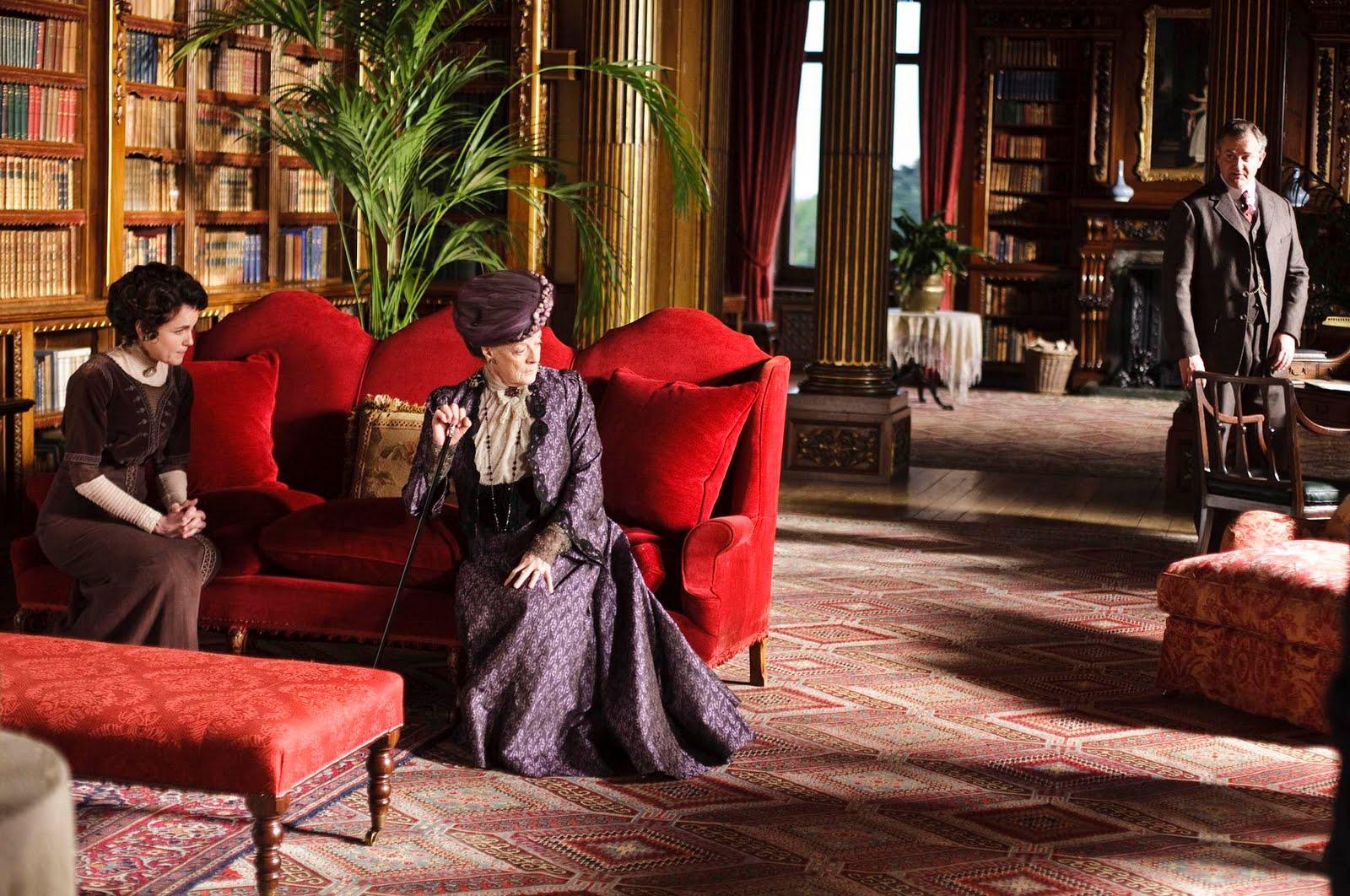 Фильм графиня и служанка онлайн, фото секретарша в черных чулках
